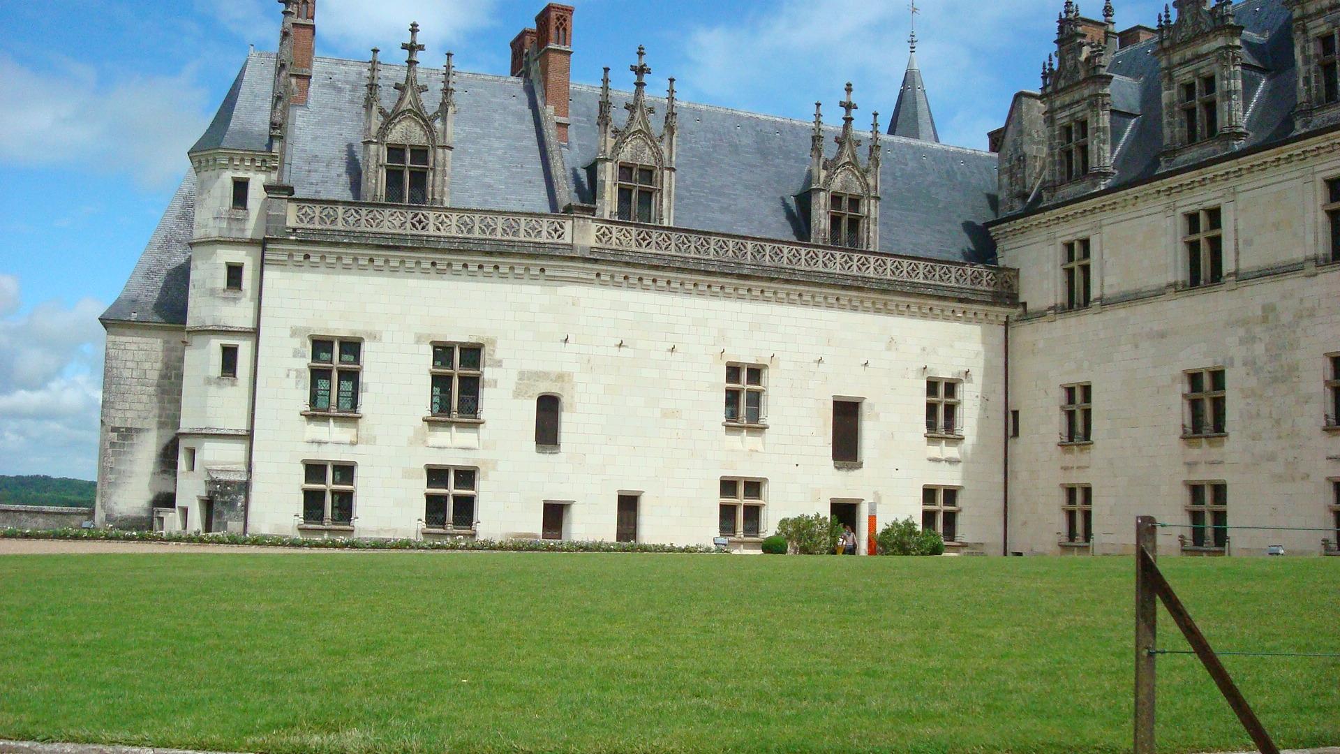 The Last of the Loire Chartres Chateau de Chambord Amboise